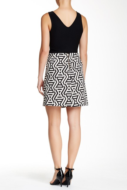 Karen Kane Jacquard A-line Mini Mini Skirt black and white print Image 3