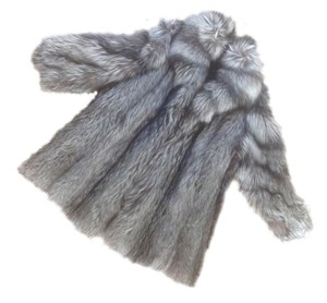 Bloomingdale's Lush Elegant Fur Coat