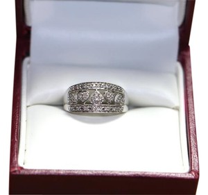 10K White Gold Natural Diamond Heart Cluster Band Ring Size 6.25, 3.4G