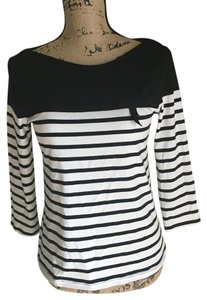 Elle T Shirt Black, white