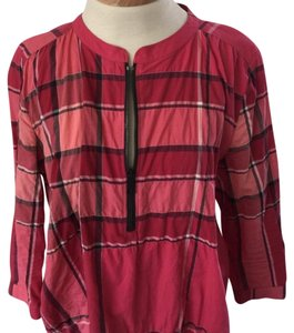 Burberry Brit Top Shades of red