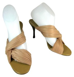 Gucci Beige Heels Leather Sandals