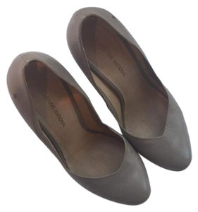 CoSTUME NATIONAL Gray Pumps