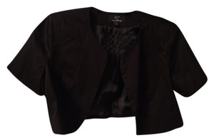 Nina Leonard Cropped Short Sleeve Cropped Jacket Round Neck Open Front Black Blazer
