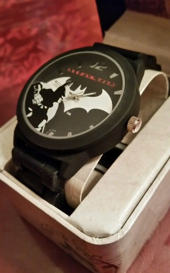 DC Comics New Batman Arkham City DC Comics Black and Silver tone Emblem Watch Image 1