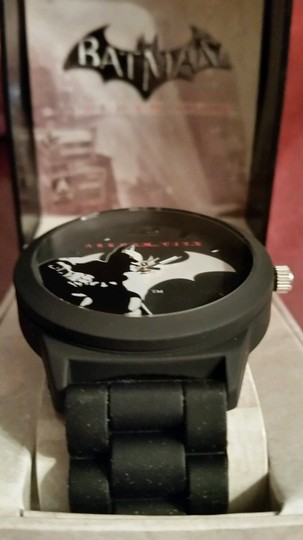 DC Comics New Batman Arkham City DC Comics Black and Silver tone Emblem Watch Image 2