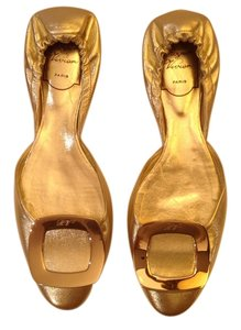 Roger Vivier Leather Paris Luxury Gold Flats