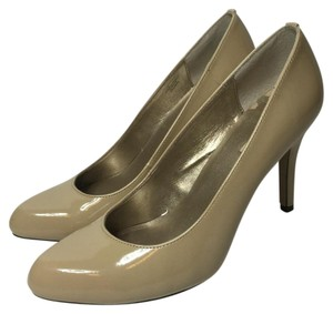 Max Studio Beige/ nude Pumps
