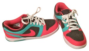 Nike Pink and turquoise Athletic