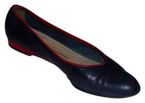 Salvatore Ferragamo Dressy Or Casual Toes Excellent Vintage Nautical Look Color Block Style navy and red leather Flats