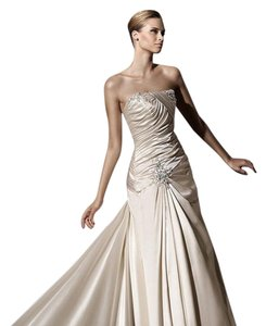Pronovias Bambula Mermaid Sexy Ruched Beaded Satin Wedding Dress