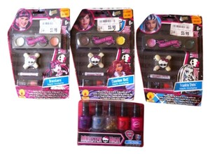 Monster MONSTER HIGH New 4-Peice Makeup/Nail Polish-Retail For All $23.96