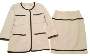 Chanel $6000 CC Logo Buttons & Logo Lining Matching Jacket With Skirt Suit 38