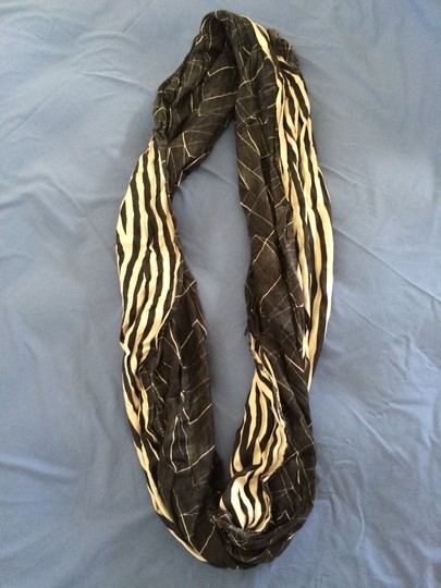 Urban Outfitters Urban Outfitters Infinity Scarf Image 2