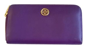 Tory Burch BRAND NEW WITHOUT TAG. TORY BURCH Reva Robinson