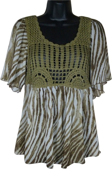 Signature by Larry Levine Green Crochet Animal Print Size Small Cute Top green/brown/white