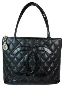 Chanel Medallion Cc Caviar Leather Navy Tote