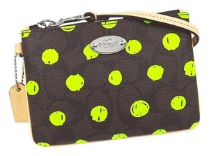 Coach COACH F52581 SMALL WRISTLET DOT PRINT SIG CANVAS BROWN/NEON YELLOW