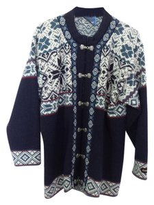 Icewear Sweater
