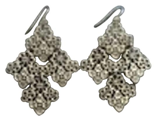 Preload https://img-static.tradesy.com/item/195519/stella-and-dot-gold-chantilly-lace-chandelier-earrings-0-0-540-540.jpg