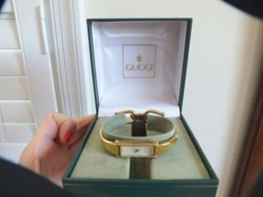 Gucci Mother of Pearl Italian Vintage Bracelet Watch