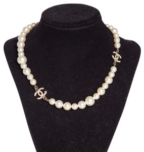Chanel Chanel 16 Inch Pearl And Crystal Necklace NWT