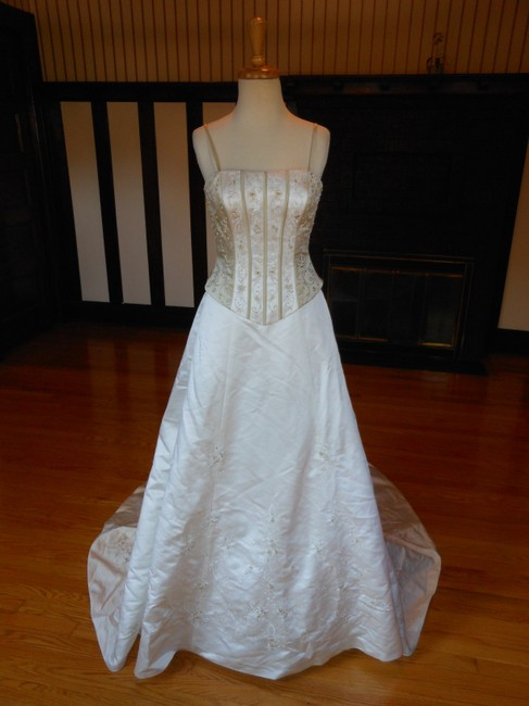 Item - Ivory/Taupe Satin 3514 Destination Wedding Dress Size 6 (S)