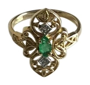 14K Gold Filigree Ring With Green Stone