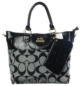 Coach Signature Tote in Blk/gray,Black or Brown/tan