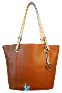 Michael Kors Jet Set NWT Tote in Luggage