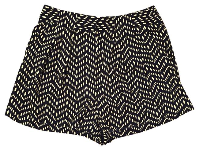 Item - Navy and Cream Polka Dot Shorts Size 0 (XS, 25)