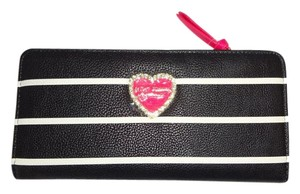 Betsey Johnson Multi compartment black/bone stripe/wallet /