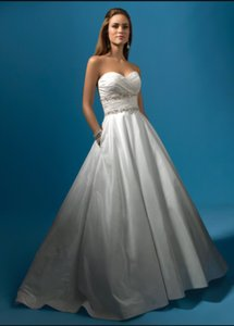 Alfred Angelo 2119 Wedding Dress