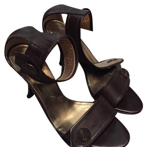 Liz Carine Brown Pumps