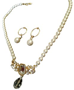 Pearl and crystal necklace earring set