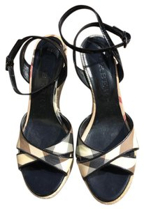 Burberry Traditional plaid Wedges