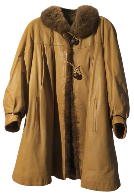 Item - Tan Long Sleeve and Leather M) Coat Size 8 (M)