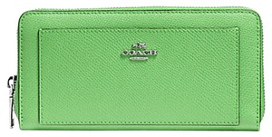 Coach BNWT Coach F52648 Accordion Zip Wallet Leather Pistachio Green