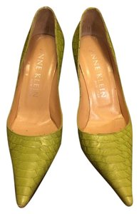Anne Klein Python Leather Pointed Toe Green Apple Pumps