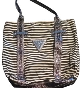 Guess Tote in Black & White