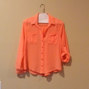 Blu Pepper Top Orange sherbert colored
