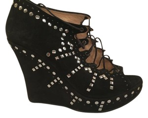 Jimmy Choo Peep Toe Studs Suede black Wedges