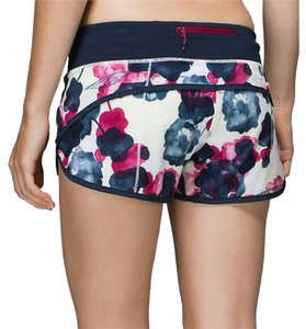 Lululemon Lululemon Speed Shorts Bumbleberry Size 6 Inky Floral Small