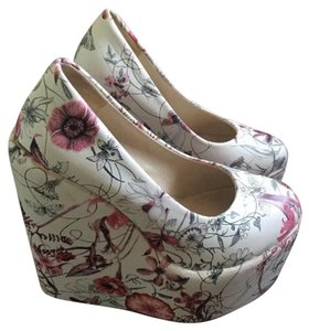 White floral Wedges