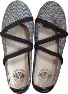 Palladium Black & White Flats