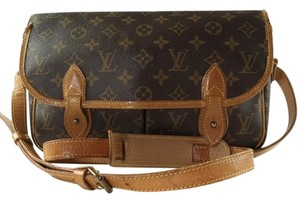 Louis Vuitton Lv Vintage Leather Signature Cross Body Bag