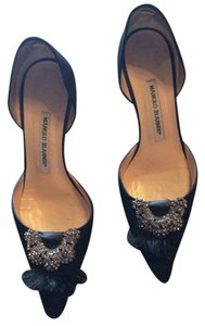 Manolo Blahnik Black. Embellushed Pumps