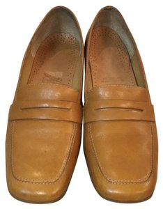 Rockport Caramel Pumps