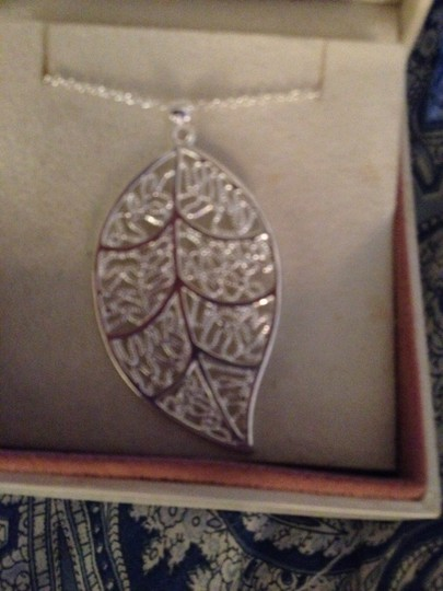 Sears FREE SHIPPING!! Silver Filled 18 inch Necklace with a Leaf Pendant. 2 inches long, Matching Earrings for sale Also!