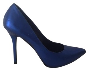 Rock & Republic Metallic blue Pumps
